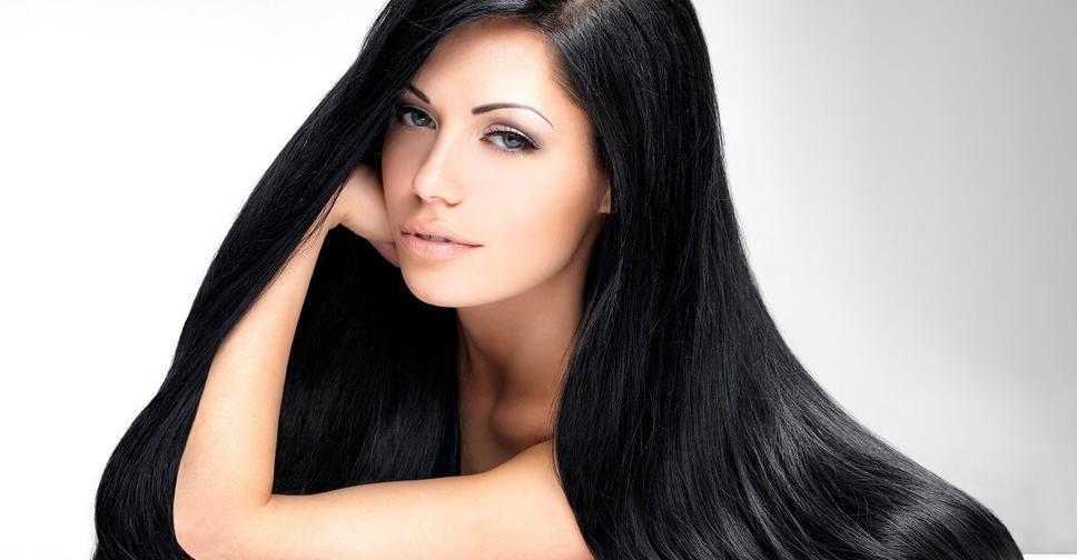 волосами шикарными брюнетка онлайн с