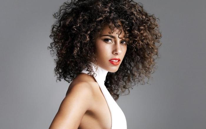 Сколько держится биозавивка волос