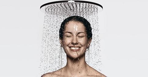 14 необычных способов мыть волосы для их лечения и восстановления