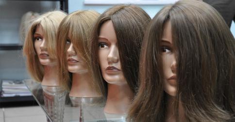 10 русских звезд, которые используют парики