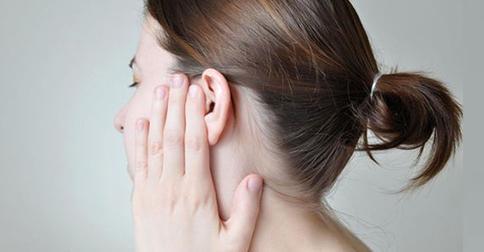 себорейный дерматит в ушах