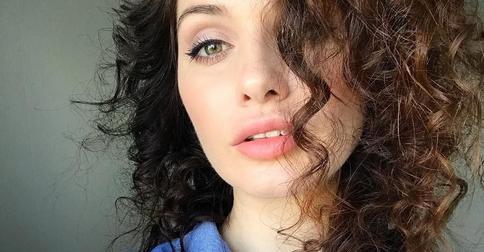 Новая стрижка бьюти-блогера Elena 864 вызвала неоднозначную реакцию