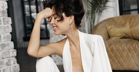 Мирослава Карпович из «Папиных дочек» обрезала длинные светлые волосы и стала брюнеткой