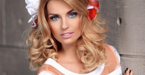 Саша Савельева решилась на смену имиджа перед родами и изменила цвет волос и прическу