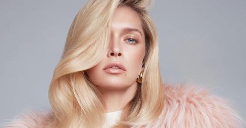 Вера Брежнева снова удивляет: звезда покрасила волосы в трендовый «клубничный блонд»