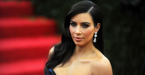 Как русалочка: Ким Кардашьян показала зеленые волосы
