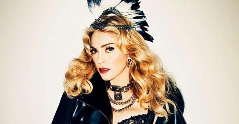 Мадонна вновь стала брюнеткой и намекнула на новый клип