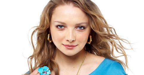 Екатерина Вилкова с новой прической «засветилась» на обложке глянца