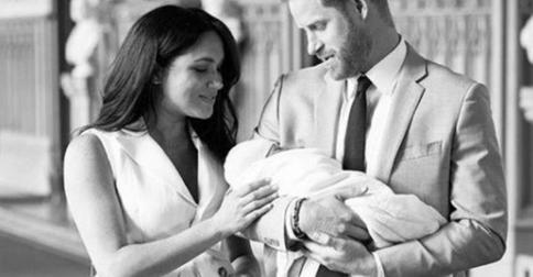 Принц Гарри и Меган Маркл показали новое фото сына: почему поклонники разочарованы