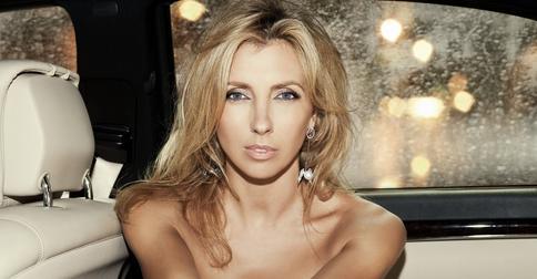 Светлана Бондарчук освежила свой образ, примерив челку