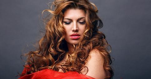 Добавила яркости: Екатерина Скулкина сменила цвет волос