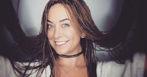 Наталью Фриске из-за новой прически вновь обвинили в подражании знаменитой сестре