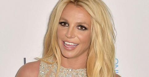 Блондинка Бритни Спирс перешла «на темную сторону»