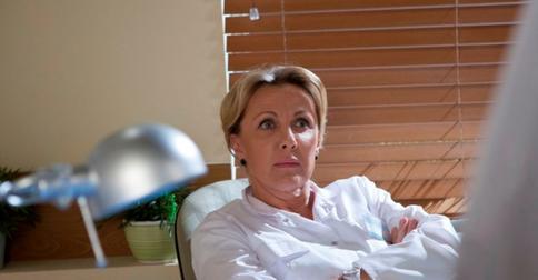«Облик безысходности»: фанаты Елены Яковлены разочарованы ее новой стрижкой