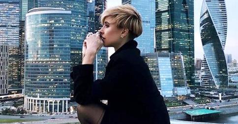 34-летняя Мирослава Карпович показала новую эффектную стрижку